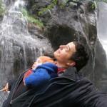 schlafend am Wasserfall